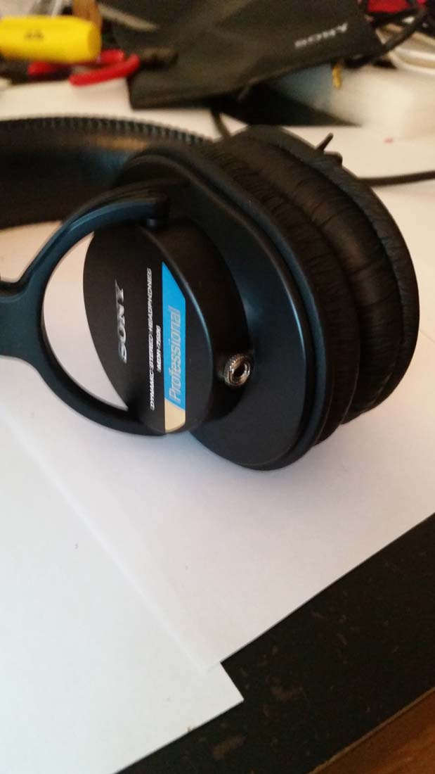 reassemble the sony mdr-7506 headphones after replacing the coord
